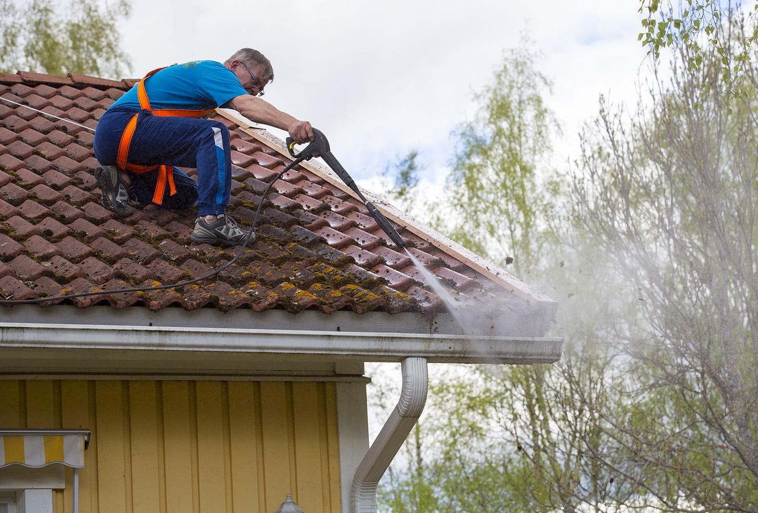 tile roof power washing
